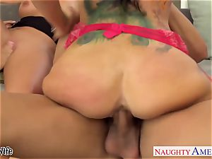 naughty babes Jessica Jaymes, Romi Rain and Phoenix Marie share pink cigar