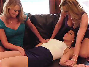 SEXYMOMMA - steaming mom plumbs and spunks with 2 babes