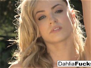 Dahlia's super-sexy outdoor solo