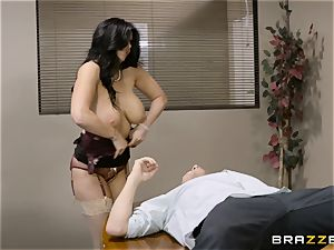 insatiable dark-haired Romi Rain drilled in her taut puss