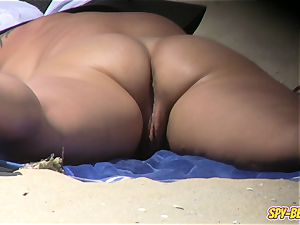 voyeur naturist Beach first-timer cougar - coochie Close-up video