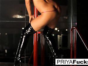 strip club performance by Indian hotty Priya Rai