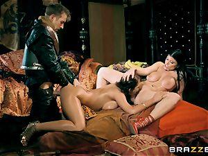 3 with Romi Rain and Ayda Swinger princess of thrones