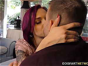 Anna Bell Peaks deep-throats monster pipe at cheating Sessions