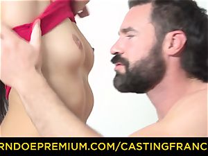 casting FRANCAIS - puny honey smashed in very first casting