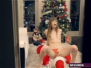 Santa's mischievous Helpers In Christmas three-way S9:E7