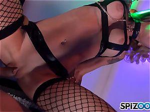 naughty Sarah Jessie licks on boner and has her honeypot cracked into