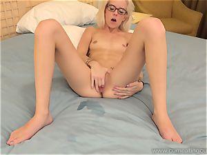 Halle Von and Her Cuck husband Take Turns blowing lollipop