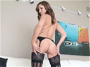 Ariana Marie fingering her raw snatch